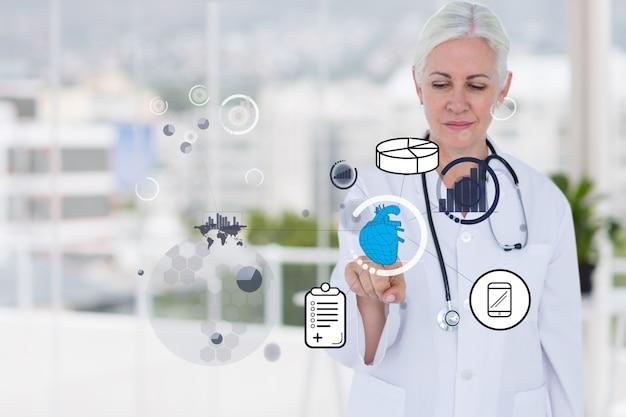 Docteur En Utilisant Une Application Virtuelle Photo gratuit