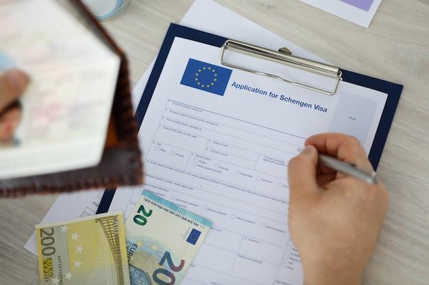 Document De Demande De Lettrage Pour Le Visa Schengen. Photo Premium