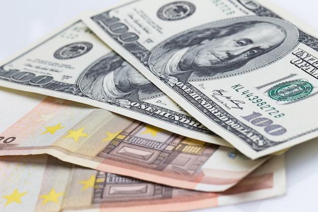 Dollars Et Euros Photo Premium