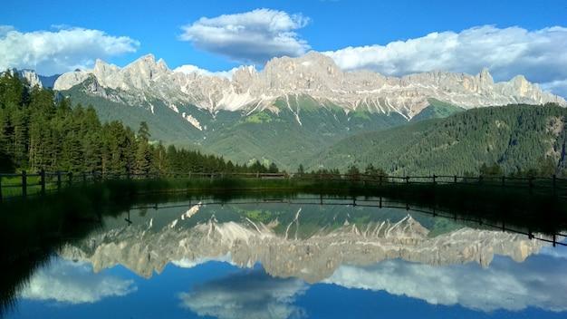 Dolomites, tyrol du sud. auronzo, italie, europe. scène inhabituelle dramatique. Photo Premium