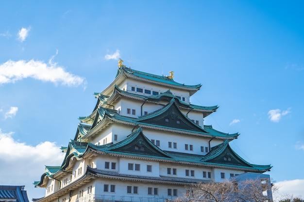 Donjon principal du château de nagoya à nagoya, japon Photo Premium