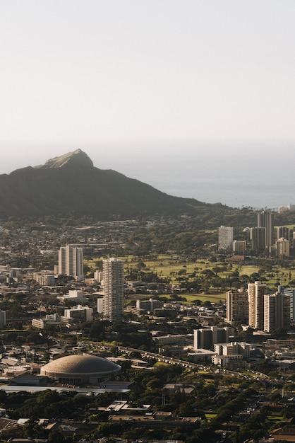 Donnant Sur La Vue D'honolulu à Hawaii Usa Pendant La Journée Photo gratuit