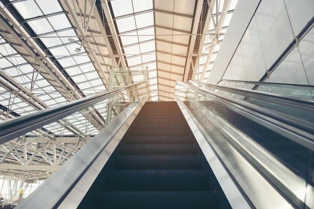 Double Escalator Monte Photo Premium