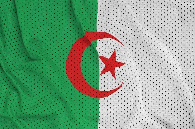 Drapeau Algérie Imprimé Sur Un Tissu Mesh Sportwear En Nylon Polyester Photo Premium