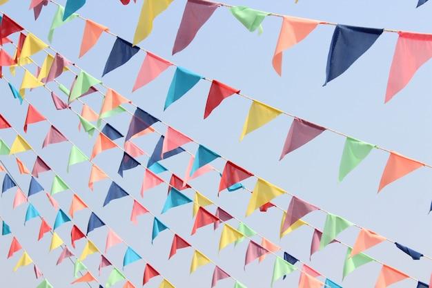 Drapeau de couleur magnifique triangle Photo Premium