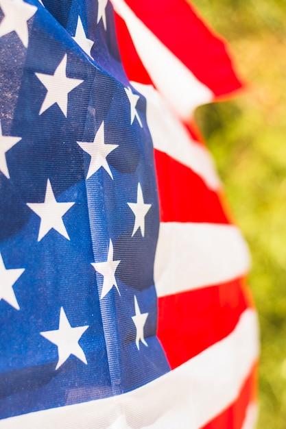 Drapeau des états-unis d'amérique à l'extérieur Photo gratuit