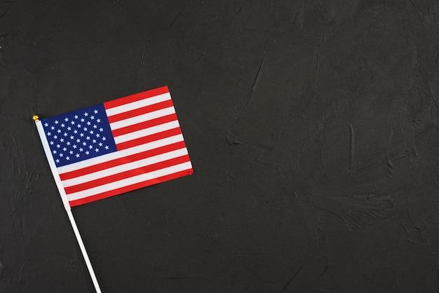Drapeau des états-unis sur fond noir Photo gratuit