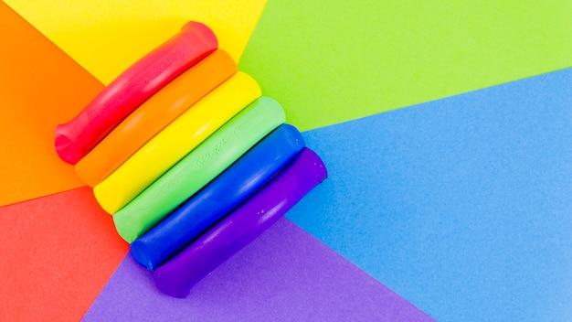 Drapeau de fierté avec de la peinture colorée Photo gratuit