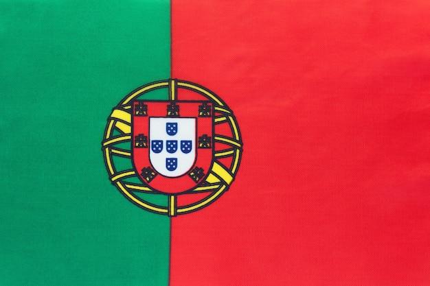 Drapeau De Tissu National Du Portugal, Fond Textile. Symbole Du Pays Européen International Du Monde. Photo Premium