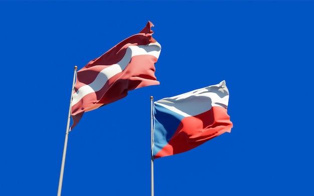 Drapeaux De La Lettonie Et Du Tchèque. Photo Premium
