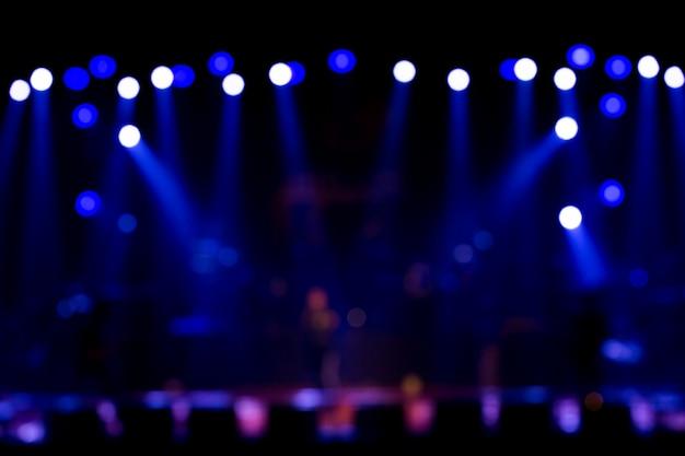 Éclairage de concert de divertissement défocalisé sur scène Photo Premium