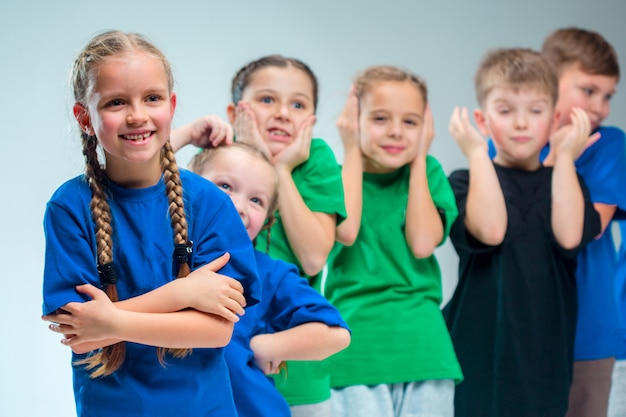 L'école De Danse Pour Enfants, Le Ballet, Le Hiphop, La Rue, Les Danseurs Funky Et Modernes Photo gratuit