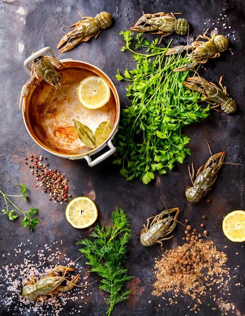 Écrevisses Crues, Bébé Homard.background Seafood.diet Nutrition Concept. Photo Premium