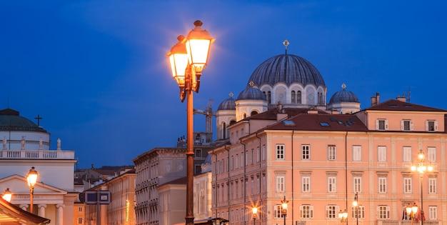 Église orthodoxe saint-spyridon, trieste Photo Premium