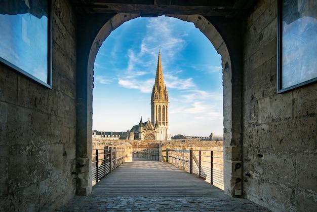 Eglise De San Pedro à Caen Photo Premium