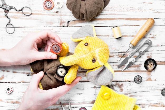Éléphant jouet fait main Photo Premium