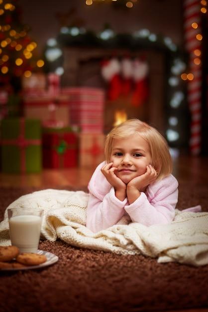 Elle Attend La Saint-claus Photo gratuit