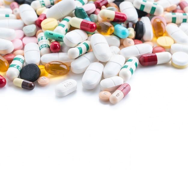 Emballages de pilules et capsules de médicaments Photo gratuit