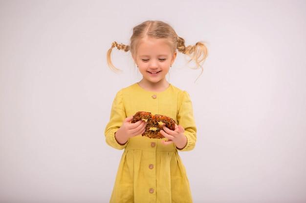Enfant en bas âge pain de lumière Photo Premium