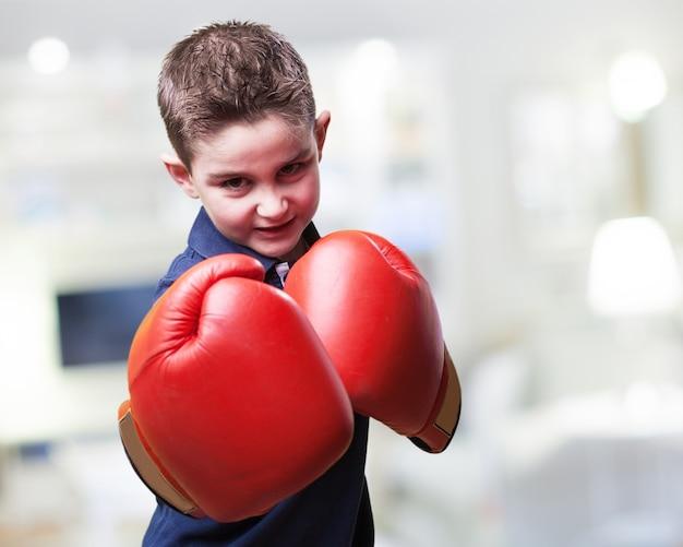 Enfant Combattant Agressif Photo gratuit