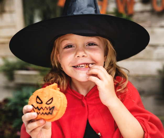 Enfant en costume d'halloween Photo Premium