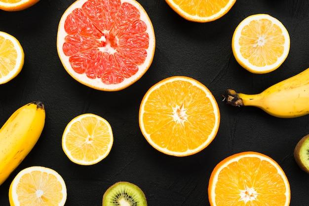 Ensemble coloré de fruits tropicaux frais Photo gratuit