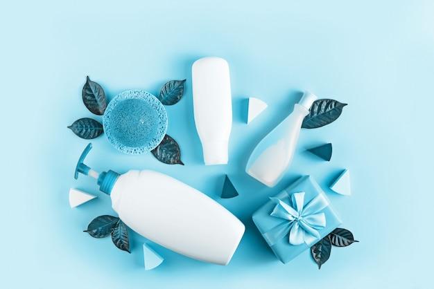 Ensemble de cosmétiques pour le corps, image tonique bleu Photo Premium