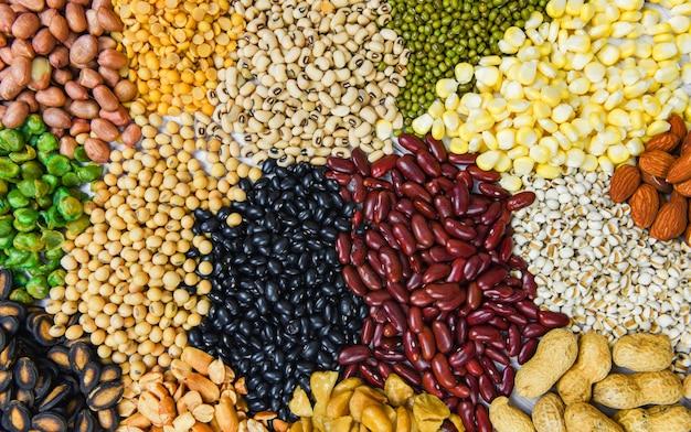 Ensemble De Différentes Graines De Haricots Et De Légumineuses à Grains Entiers Photo Premium