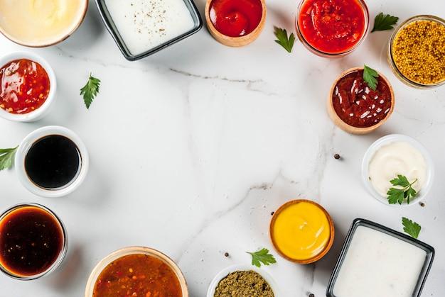 Ensemble De Différentes Sauces Photo Premium