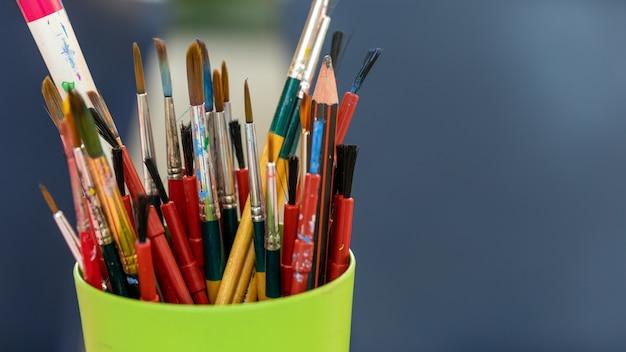 Ensemble d'instrument de dessin d'art Photo Premium