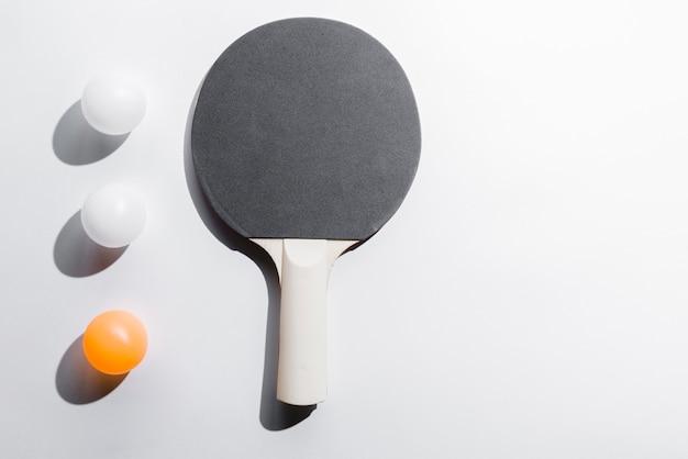 Ensemble de matériel de tennis de table Photo gratuit
