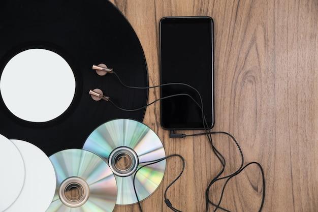 Ensemble de musique dvd avec vue de dessus Photo gratuit
