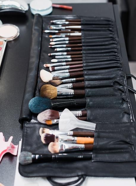 Ensemble De Pinceaux De Maquillage Photo gratuit