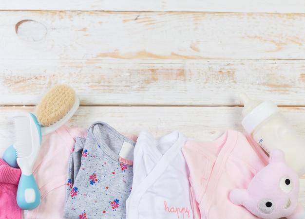 Ensemble De Vêtements à La Mode Et Des Trucs Pour Enfants Pour Petite Fille Photo Premium