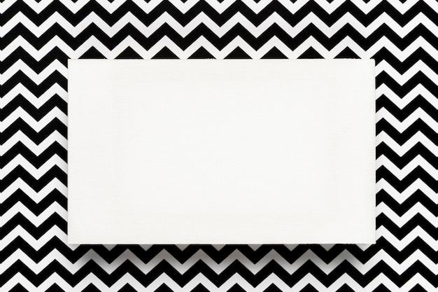 Enveloppe Blanche Avec Abstrait Photo gratuit