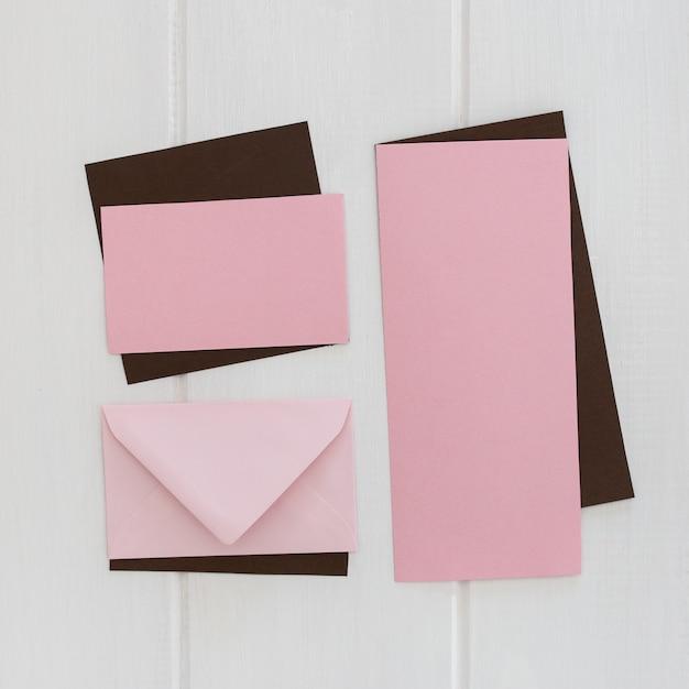 Enveloppe lettre et voeux en papier éco Photo gratuit