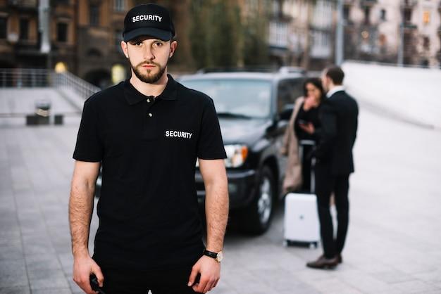Équipe De Sécurité Assurant La Protection Des Clients Photo gratuit