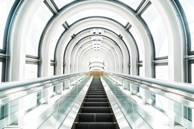 Escalator au le bâtiment observatoire jardin flottant Photo gratuit