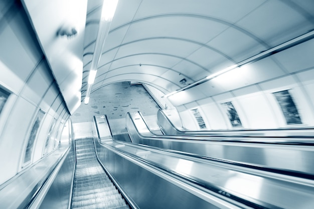Escalators Longues Photo gratuit