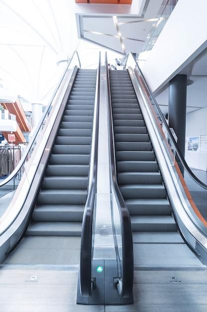 Escalier Mécanique, Escaliers Mécaniques Haut Et Bas Photo gratuit