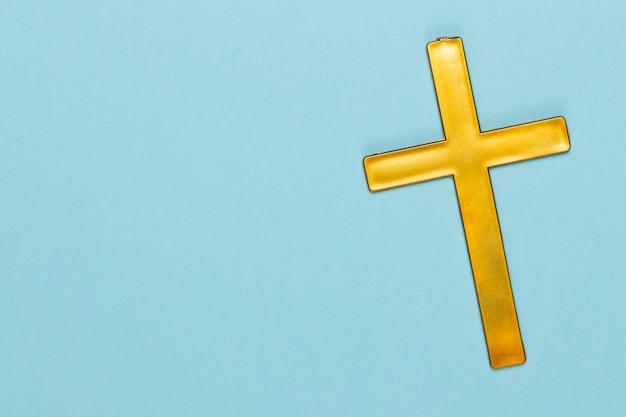 Espace de copie avec croix sacrée en bois Photo gratuit