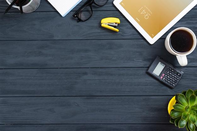 Espace de travail de la vue de dessus avec espace de copie Photo gratuit