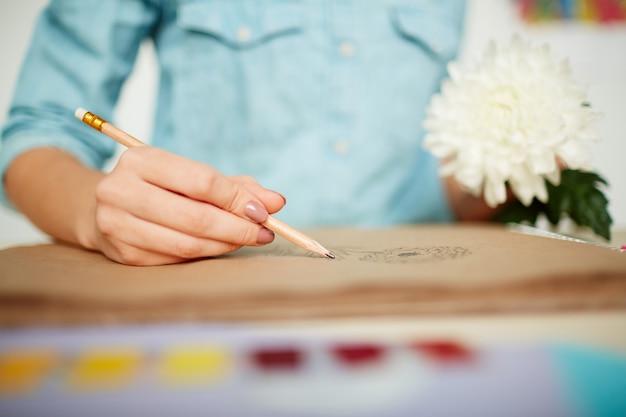 Esquisse de joli chrysanthème Photo gratuit