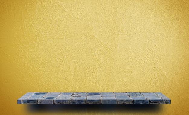 Étagère de roche vide sur fond jaune pour la présentation du produit Photo Premium