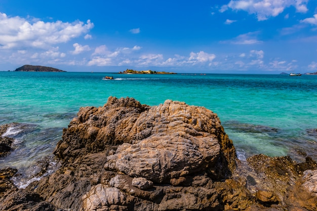 Excursion d'une journée à l'île de samaesarn Photo Premium