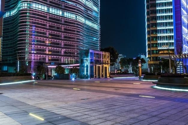 Extérieur des bâtiments modernes Photo gratuit