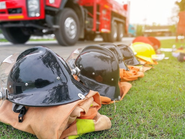 Extincteur et tuyau d'incendie, accessoires et équipement de lutte contre l'incendie Photo Premium