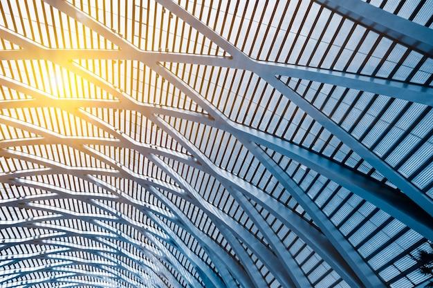 Faible Angle De Vue Sur Le Plafond Du Bâtiment Photo gratuit