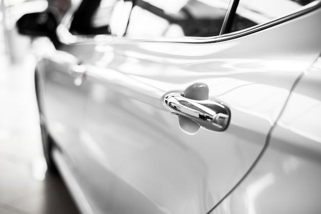 Faible angle de vue de voiture de behing Photo gratuit
