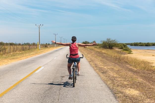 Faire du vélo à cuba Photo Premium